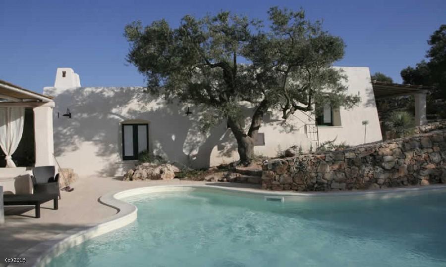 Villa con piscina nel salento affitti top per le vacanze for Centro sportivo le piscine guastalla