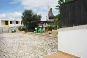 Affitti a Pescoluse: villino con ampi spazi esterni