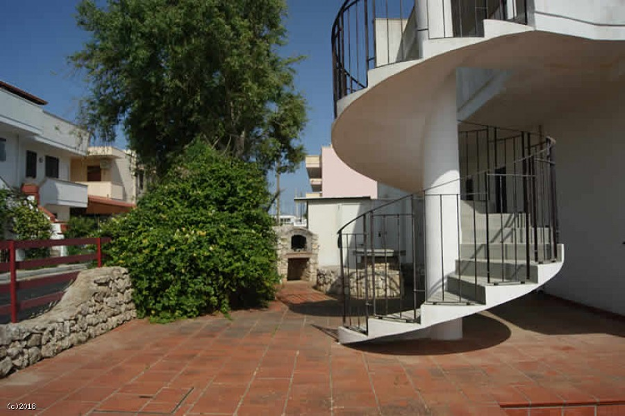 Villa Vacanza su due livelli a Torre Pali