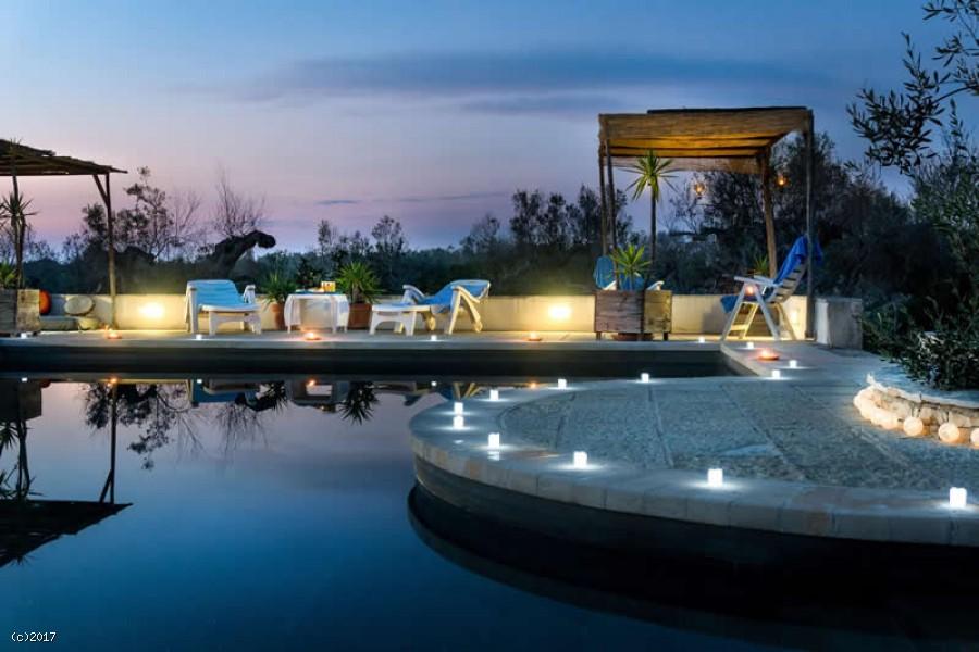 Trullo con piscina in affitto nel salento le tue vacanze - Casa vacanza con piscina salento ...