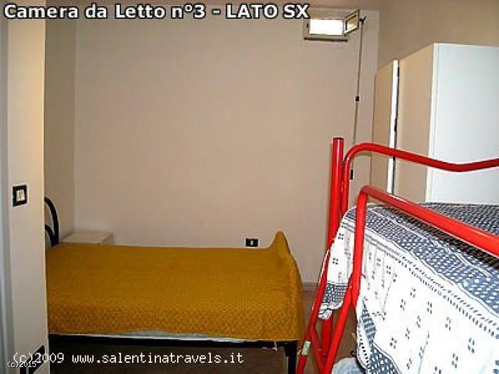 Appartamento 3 camere da letto in affitto a pescoluse for Case kit cottage 2 camere da letto